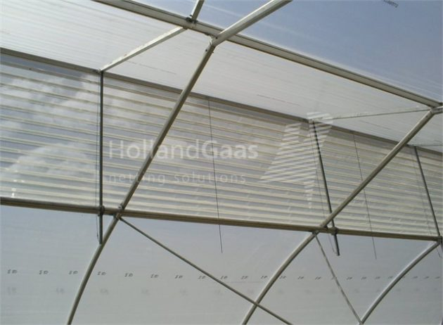 Insect-Bug-Netting-for-Gutter-Connected-Poly-Greenhouse03